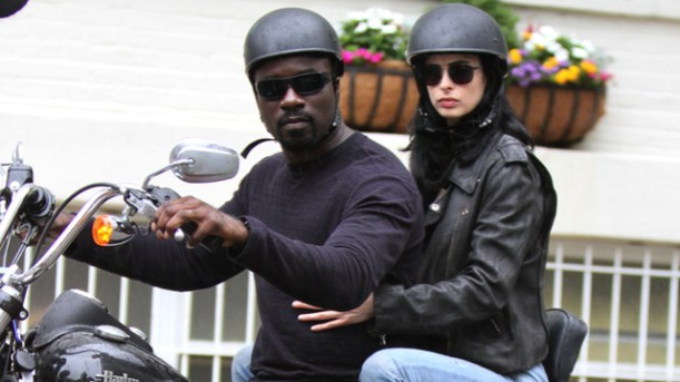 Luke Cage y Jessica Jones
